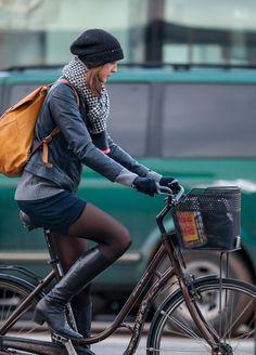 Copenhagen Bikehaven by Mellbin - Bike Cycle Bicycle - 2014 - 0524 Women's Cycling, Urban Cycling, Urban Bike, Cycling Girls, Cycling Shorts, Cycling Outfit, Winter Cycling, Cycle Chic, Bicycle Women