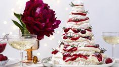 How to make a pavlova Christmas tree Christmas Pavlova, Christmas Tree, Aussie Christmas, Christmas Hats, Xmas, Christmas Cooking, Christmas Desserts, Christmas Foods, Christmas Things