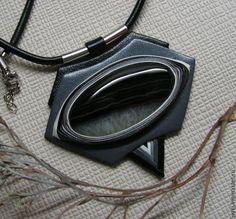Купить Кулон из кожи с Агатом - серебряный, украшение из кожи, украшение на шею, украшение для интерьера