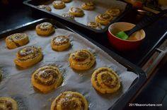 Melcisori cu nuca reteta vieneza | Savori Urbane Dessert Recipes, Desserts, Croissant, Muffin, Breakfast, Food, Tailgate Desserts, Morning Coffee, Essen