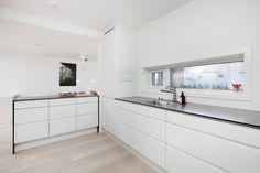 Sigdal Lido kitchen White Scandinavian Kitchen White, Double Vanity, Scandinavian, Kitchens, Sweet Home, Kitchen Cabinets, Interior, House, Home Decor