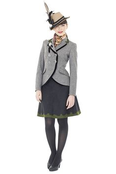 Lola Paltinger 2010 jacket and skirt. Dirndltrends 2010: Resche Reserl - Bilder - AMICA