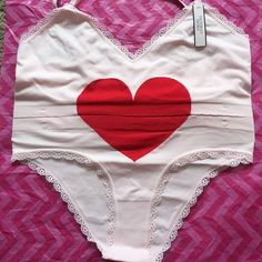 30e9c02c0c7b4a ✨NWT- LIMITED EDITION - VS Heart Bra  amp  Panty Set✨ ✨Brand