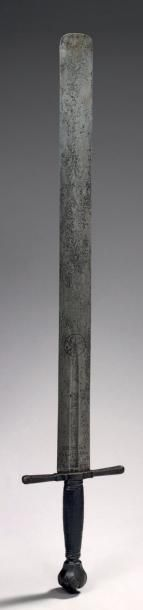 EXECUTIONER SWORD Iron L. 98 cm Germany - Good condition sixteenth century it is rare to find the sword of the executioner's name and locality: here engraved on the blade in German