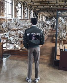 vscocam #vsco #paris # misbhv bomber #museum #galeriedepaléontologieetdanatomiecomparée #paleontology #animals #anatomy #skeleton #menstyle #mensfashion #menswear #sneakers #warsaw Rudy Outreville Men's Fashion, Warsaw, Skeleton, Sneakers, Anatomy, Menswear, Museum, Paris, Animals
