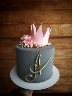 Cake Decorating Frosting, Cake Decorating Designs, Cool Cake Designs, Beautiful Birthday Cakes, Beautiful Cakes, Amazing Cakes, Birthday Cake For Boyfriend, Alphabet Cake, Artist Cake
