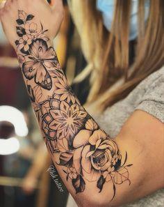 Half Sleeve Tattoos Forearm, Girl Arm Tattoos, Tattoos For Women Half Sleeve, Shoulder Tattoos For Women, Best Sleeve Tattoos, Body Art Tattoos, Hand Tattoos, Women Sleeve, Feminine Tattoo Sleeves