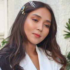 Filipina Beauty, Daniel Padilla, Kathryn Bernardo, Jadine, Girl Photography Poses, Makeup Goals, Pretty Hairstyles, Hair Clips, Eye Makeup