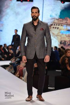 Saif Ali Khan, Randeep Hooda and Kunal Kapoor add star power at GQ India's Fashion Nights. Menswear enthusiasts... You can't miss this!