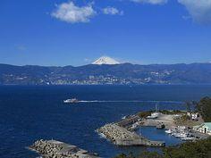 島の一番高いところ(標高50メートル)にある会員制リゾート、 エクシブ初島の屋上からの景色です。