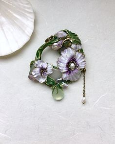 Vintage flowers necklace white anemone flower brooch vintage