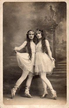 BE726 Carte Photo Vintage Card RPPC Femme Woman DANSE Danseur Ballet Décor Robe   eBay