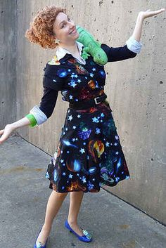 24 Halloween Costumes That Will Make You Do A Double Take| I need to put together a miss frizzle costume before I cut my hair