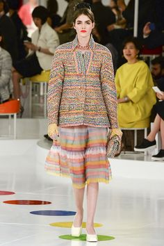 See the complete Chanel Resort 2016 collection. Chanel Resort, Chanel Cruise 2016, Chanel 2015, Coco Chanel, Chanel Paris, Chanel Black, 2016 Fashion Trends, Fashion Week, Fashion Show