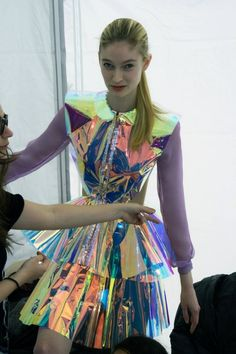 This lovely young lady does not seem impressed with someone touching her holographic dress. Space Fashion, High Fashion, Fashion Show, Fashion Design, Fashion Trends, Fashion Black, Fashion Fashion, Fashion Ideas, Vintage Fashion