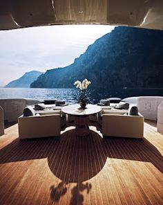 Luxury Yachts - Velvet 36 Doubleshot  Now that's the life