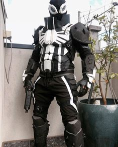 "332 Likes, 3 Comments - Cosplay and Comics™ (@cosplay.and.comics) on Instagram: ""@parker_luck_cosplay as #AgentVenom  Be sure to check out my other pages: @CosplayOfColor…"""