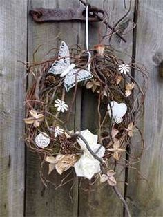 DIY Twig Wreath ~ Shape heavy rusty wire into a circle (old wire coat hanger & Etsy Wreaths, Owl Wreaths, Wreath Crafts, Grapevine Wreath, Door Wreath, Butterfly Decorations, Wreath Forms, Summer Wreath, Christmas Wreaths