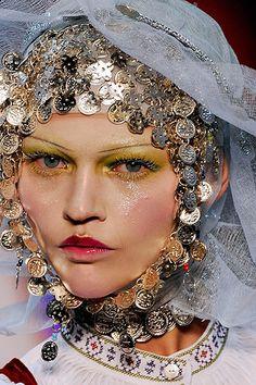 petrole: sasha pivovarova at john galliano fall winter - Dior Makeup - Ideas of Dior Makeup - petrole: sasha pivovarova at john galliano fall winter John Galliano, Galliano Dior, Sasha Pivovarova, Runway Makeup, Dior Makeup, Eye Makeup, Vogue Makeup, Makeup Geek, Make Up Looks