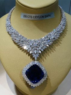 200ct Ceylon Sapphire & Diamond necklace
