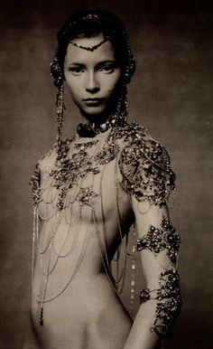 Will always love Paolo Roversi. The Poetic Spirit - Vogue Italia Couture Supplement by Paolo Roversi, September 2003 Paolo Roversi, Warrior Princess, Jean Paul Gaultier, Foto Fantasy, Foto Fashion, Dark Fashion, White Fashion, Fashion Art, Womens Fashion