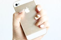 Gel nails: White and gold | Denise Joanne | Nailart, nail art, gelnails. Check out www.DeniseJoanne.com