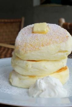To know more about パンケーキ ふわふわ, visit Sumally, a social network that gathers together all the wanted things in the world! Sweets Recipes, Baking Recipes, Crepes, Love Food, The Best, Food And Drink, Yummy Food, Favorite Recipes, Snacks