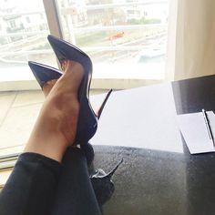Black patent pumps. Tacchi Close-Up #Shoes #Tacones #Heels
