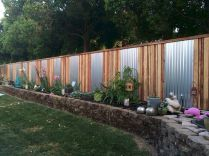 Simple backyard privacy fence ideas on a budget (21)