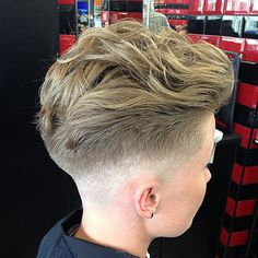 """""""Low 0 skin fade heavy top pulled back using a light hair cream by @pompandco to keep natural curl @christieturner_ #nwb #newworldbarber #newworldbarbers…"""""""
