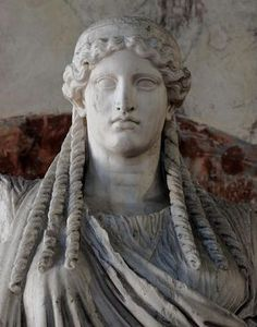 "Minerva (Athena) (""Parthenos"") - detail, Roman statue (marble), copy after Greek original by Phidias, ? (original 5th c. BC), (Palazzo Ducale, Mantua)."