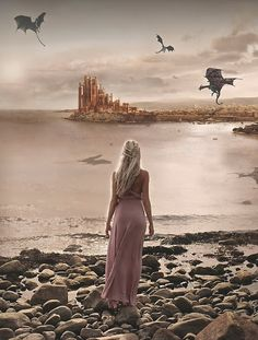 Daenerys Targaryen and the Dragons (Game of Thrones) Daenerys Targaryen, Khaleesi, Arte Game Of Thrones, Game Of Thrones Characters, Drogon Game Of Thrones, Game Of Thrones Artwork, Game Of Thrones Dragons, Winter Is Here, Winter Is Coming