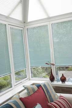 Beautiful light blue blinds that give a pop of colour yet total light and privacy control in this conservatory. Coastal Living, Coastal Decor, Blinds For Windows, Window Blinds, Perfect Fit Blinds, Fitted Blinds, Best Blinds, Blue Home Decor, Conservatories