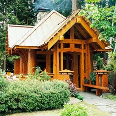 Craftsman style; would make for a nice small home.