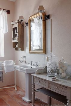 Id e d co salle de bain romantique shabby et d co - Salle de bain style romantique ...