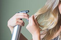 Att göra egen saltvattenspray är både enkelt och billigt samtidigt som du kan anpassa det till just din hårtyp. Det är ett kemikaliefritt och miljövänligt alternativ till konventionella stylingprodukter och dessutom fungerar den väldigt bra...