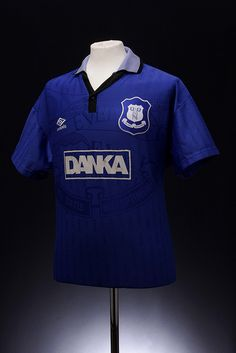 Everton Football Shirt (1995 - 1997) Classic Football Shirts, Vintage Football Shirts, Football Kits, Football Jerseys, Soccer Tv, Everton Fc, Team Shirts, Sport Fashion, Premier League