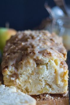 A delicious moist Apple Crumb Bread, perfect anytime. Snack, Dessert or even Breakfast. Serve plain or with a drizzle of Homemade Maple Caramel Sauce. Apple Bread It's finally apple season and I couldn't be happier. Donut Recipes, Apple Recipes, Sweet Recipes, Cinnamon Recipes, Bread Recipes, Fall Recipes, Pumpkin Recipes, Pastry Recipes, Cinnamon Rolls
