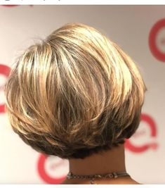 Inverted Bob hairstyles for fine hair that make you younger - Top Trends Short Bobs Haircuts Look Sexy and Charming! Inverted Bob Hairstyles, Bob Hairstyles For Fine Hair, Short Bob Haircuts, Short Hairstyles For Women, Hairstyles Haircuts, Haircut Bob, Graduated Bob Haircuts, Hairdos, Medium Stacked Haircuts