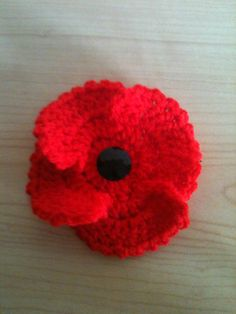 Poppy for rememberence Crochet Poppy Free Pattern, Knitted Flower Pattern, Knitted Poppies, Poppy Pattern, Flower Crochet, Knitted Flowers, Flower Patterns, Crochet Baby, Free Crochet