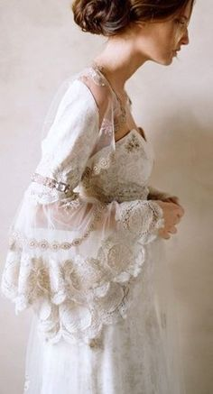 vintage inspired. Lovely dress