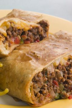 Ww Skinny Chimichangas ~ This is an excellent low fat chimchangas recipe. It is baked, instead of deep-fried. The burrito comes out crispy with a moist and flavorful filling. Make with beef.