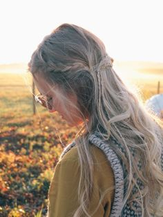 the perfectly messy hairstyle for fall Hair Cuttery Boho braids; the perfectly messy hairstyle for fall Hair Cuttery The Lilac Press Curly Braided Hairstyles, Boho Hairstyles, Party Hairstyles, Hairstyles For Round Faces, Hairstyles With Bangs, Bangs Hairstyle, Braid Styles, Short Hair Styles, Hair Magazine