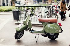 Vespa! I neeeeed this! Who is going to surprise me with one!?