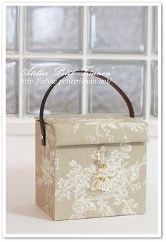 Cartonnage: Petit Trianon *** cartonnage & interior ***