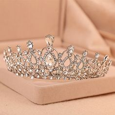 A beautiful rhinestone tiara. Cute Jewelry, Hair Jewelry, Bridal Jewelry, Quinceanera Tiaras, Wedding Accessories, Hair Accessories, Crown Aesthetic, Bridal Crown, Bridal Tiara