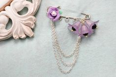 How to Make a Simple Flower Brooch Pin with Beads and Chains - Pandahall.com