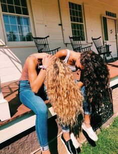 s a r a h e l i z a b e t h - Bff Pictures Hair Inspo, Hair Inspiration, Best Friend Photos, Friend Pics, Curly Girl, Pretty Hairstyles, Stylish Hairstyles, Beach Hairstyles, Men's Hairstyle