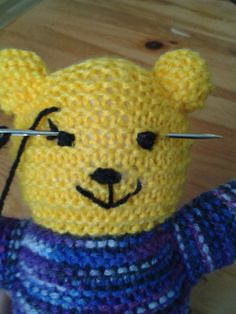I have introduced you to the Mother Bear Project before. Knitted Bunnies, Knitted Teddy Bear, Knitted Flowers, Crochet Bear, Knitted Dolls, Crochet Birds, Crochet Food, Knitted Baby, Crochet Animals