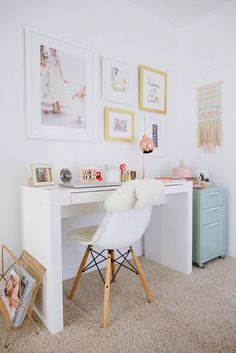 You won't mind getting work done with a home office like one of these. See these 20 inspiring photos for the best decorating and office design ideas for your home office, office furniture, home office ideas Home Office Design, Home Office Decor, Office Furniture, House Design, Home Decor, Office Ideas, Furniture Plans, Kids Furniture, Office Designs